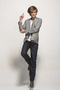 新加坡设计师品牌狮威鲤(L.SERELLI)09年秋冬新款